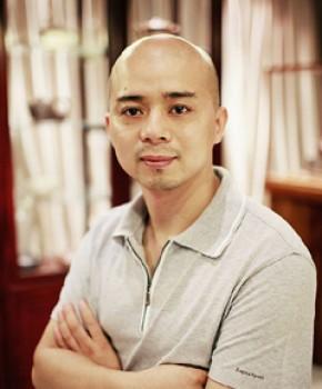 紫砂壶工艺师 范泽锋名家照片
