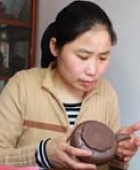 紫砂壶工艺师顾丽萍名家照片