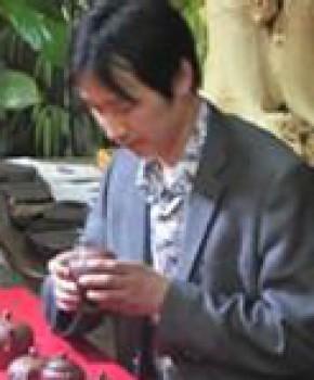 紫砂壶工艺师洪发军名家照片