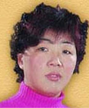 紫砂壶工艺师秦国萍名家照片