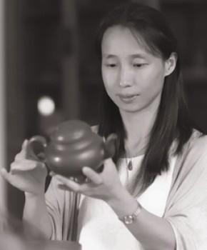 紫砂壶工艺师王芳名家照片