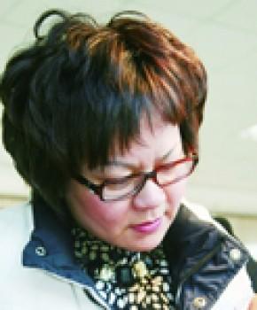 紫砂壶工艺师杨丽亚名家照片