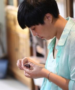 紫砂壶工艺师周云名家照片