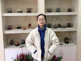 宜兴紫砂名家蒋芳仙照片