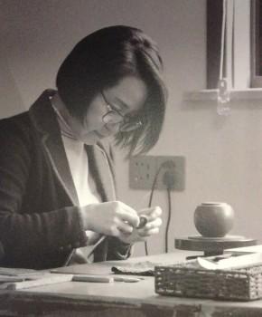 紫砂壶工艺师范晓丽名家照片