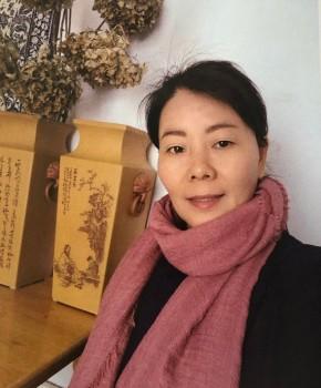 紫砂壶工艺师杨国琴名家照片
