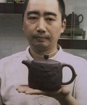 紫砂壶工艺师周孝忠名家照片