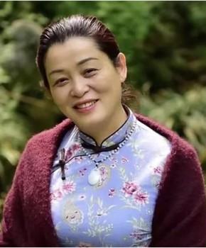 紫砂壶工艺师许敏芳名家照片