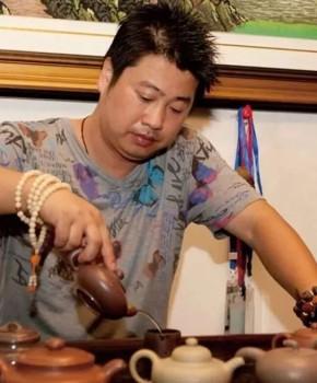 紫砂壶工艺师张伟军名家照片