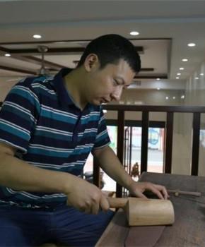 紫砂壶工艺师徐峰名家照片
