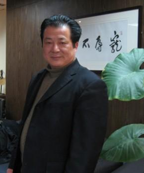 紫砂壶工艺师郑求标名家照片