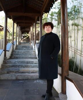 紫砂壶工艺师张菊仙名家照片