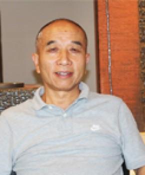 紫砂壶工艺师王亚平名家照片