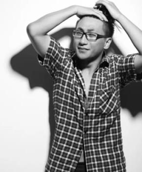 紫砂壶工艺师施昌名家照片