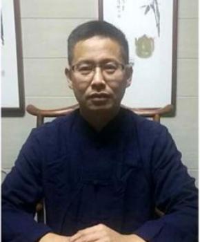 紫砂壶工艺师叶水君名家照片