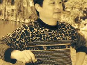 宜兴紫砂名家李卢春照片