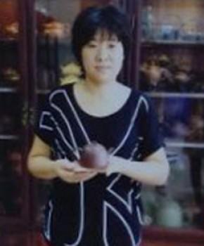 紫砂壶工艺师韩惠琴名家照片