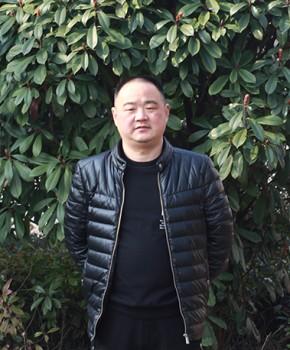 紫砂壶工艺师尹优群名家照片