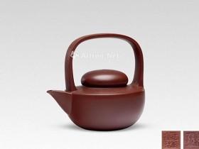 紫砂壶拍卖 周桂珍制《珍智提梁壶》拍出230万元