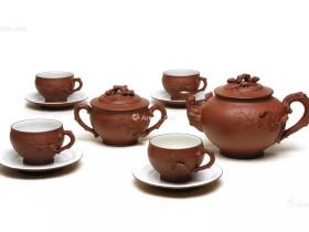 紫砂壶拍卖|顾景舟制《松鼠葡萄十头套组茶具》拍出8960万元
