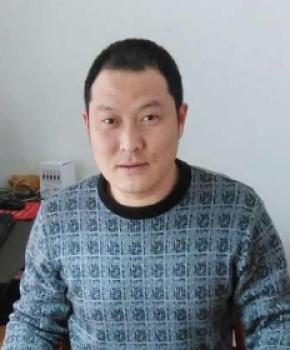 紫砂壶工艺师邱永新名家照片