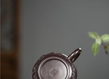 张雪军紫砂壶作品 黑金砂双龙戏珠壶 300CC 国家级工艺美术师 张雪军紫砂壶价格,多少钱