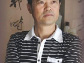宜兴紫砂名家黄卫民照片
