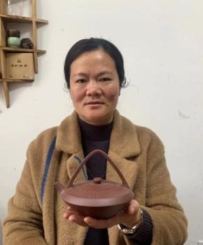 紫砂壶工艺师庄其芳名家照片