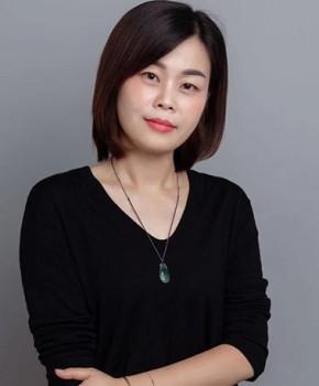 紫砂壶工艺师庄亚新名家照片
