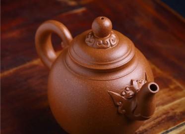 范文杰紫砂壶作品 蟹黄段泥龙权壶 400CC 国家级工艺美术师 范文杰紫砂壶价格,多少钱