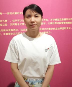 紫砂壶工艺师朱水娟名家照片