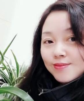 紫砂壶工艺师谈卫萍名家照片