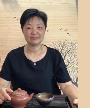 紫砂壶工艺师王小妹名家照片