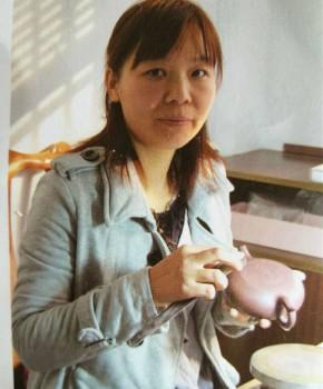 紫砂壶工艺师陈丽云名家照片