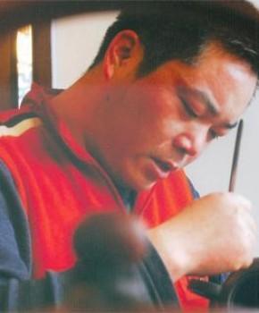 紫砂壶工艺师范卫平名家照片