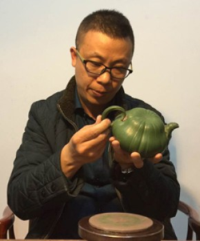 紫砂壶工艺师 顾云峰名家照片