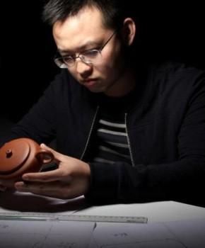 紫砂壶工艺师刘浩名家照片