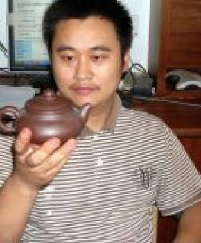 紫砂壶工艺师吕国平名家照片