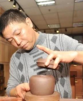 紫砂壶工艺师王小军名家照片