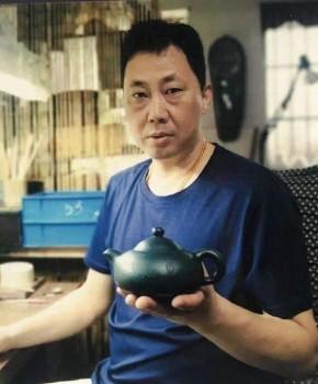 紫砂壶工艺师张国伟名家照片