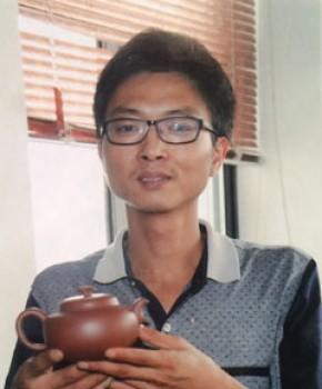 紫砂壶工艺师陈宗宝名家照片