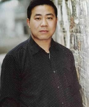 紫砂壶工艺师潘雪峰名家照片