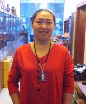 紫砂壶工艺师桑和锦名家照片