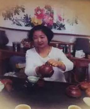 紫砂壶工艺师汤琴华名家照片