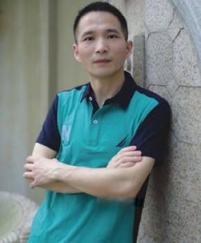 紫砂壶工艺师王旭生名家照片