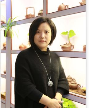 紫砂壶工艺师王亚萍名家照片