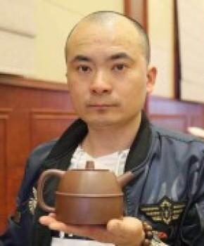 紫砂壶工艺师徐俊峰名家照片