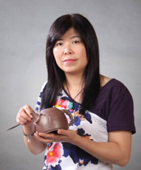 紫砂壶工艺师许美华名家照片
