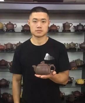 紫砂壶工艺师应卢风名家照片
