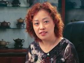 宜兴紫砂名家朱正琴照片